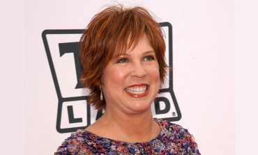 Actress and Comedienne Vicki Lawrence on Ask MomRN Show